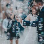 Entrée des mariées sous les bulles en paca