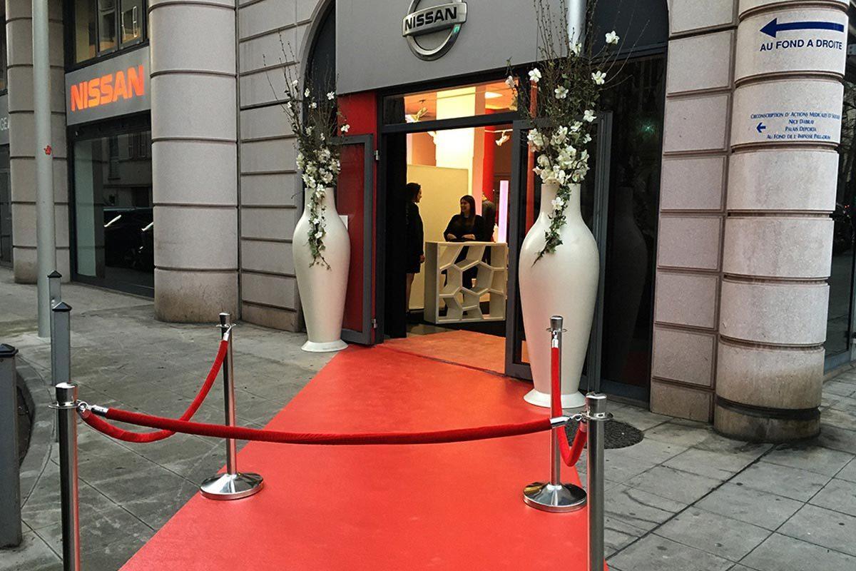 decoration-evenementielle-tapis-rouge-potelet-cordes