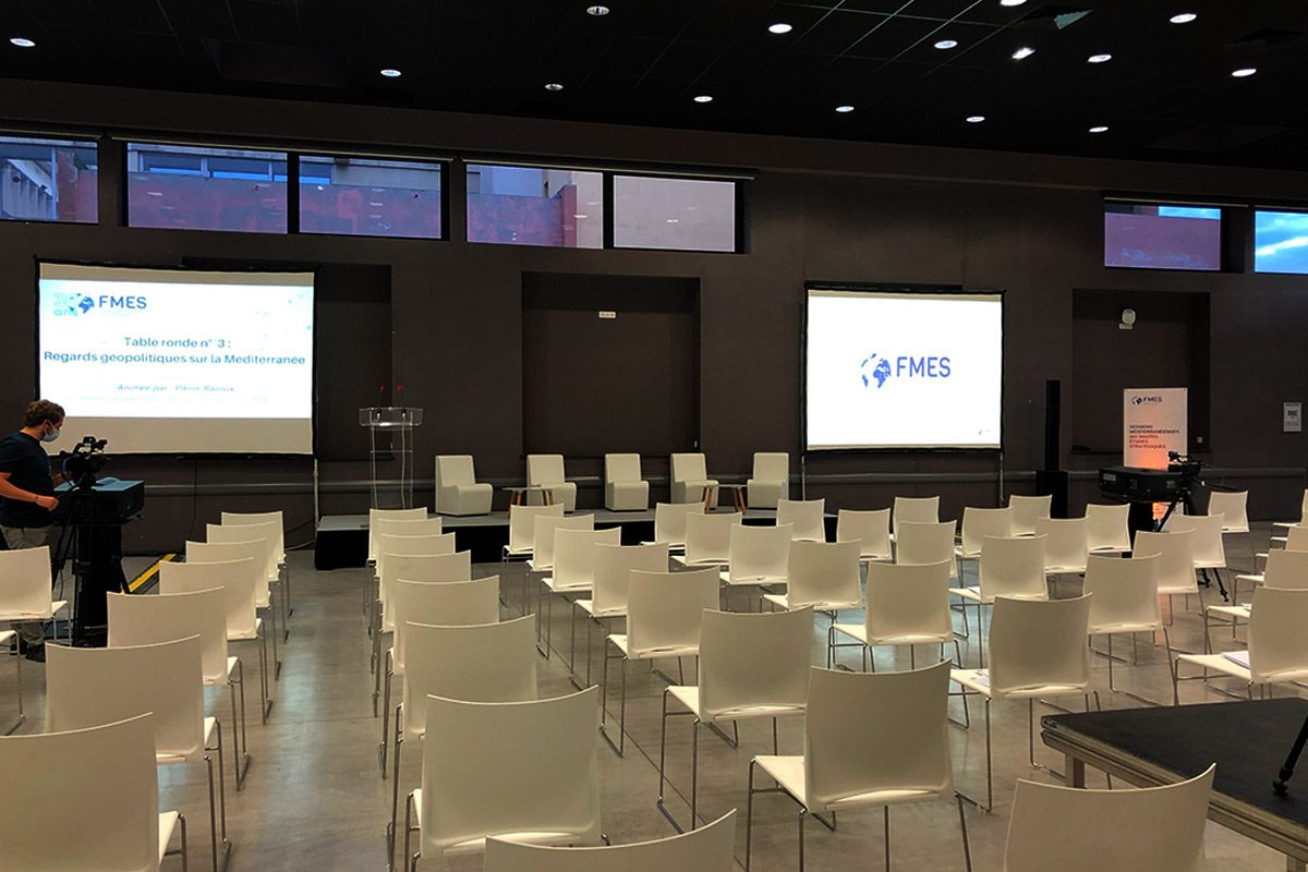 projection-video-mobilier-convention-sonorisation